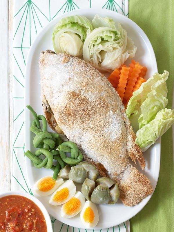 ชุดปลาทับทิมย่างเกลือ น้ำพริกแจ่ว ผักต้ม