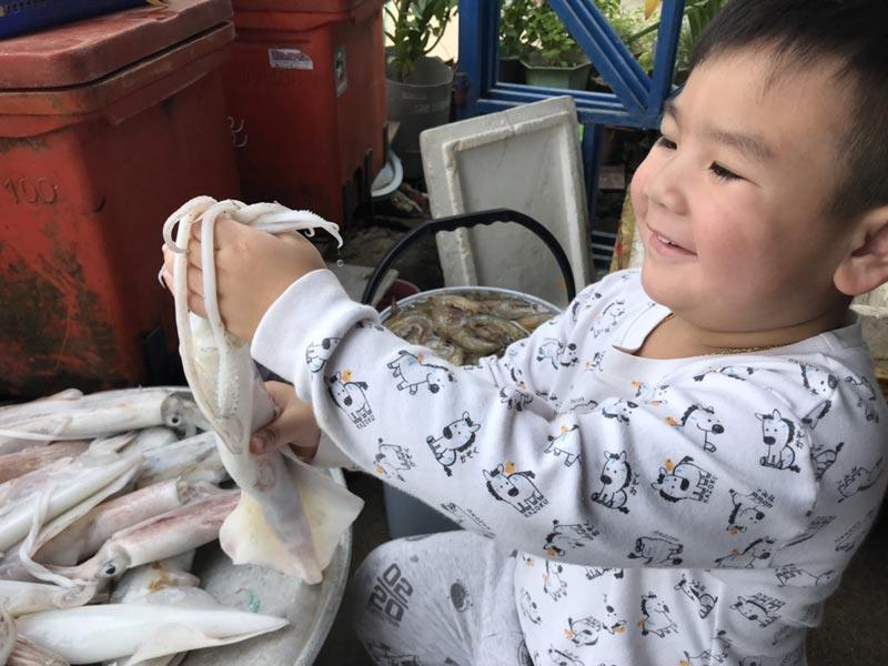 ปลาหมึกผัดต้นหอม