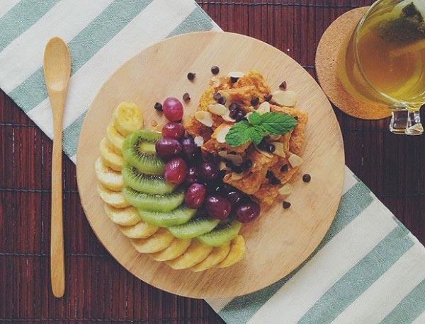มินิโฮลวีตเฟรนช์โทสต์กับผลไม้