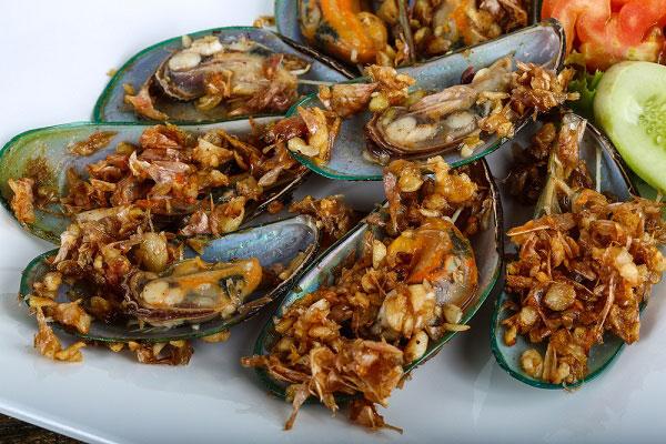 หอยแมลงภู่ทอดกระเทียม