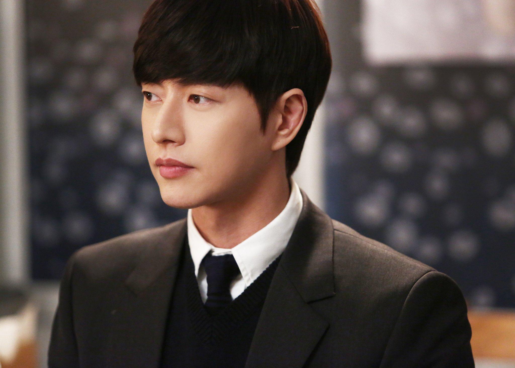 5 พระเอกซีรีส์เกาหลี ฉลาด ยูจอง