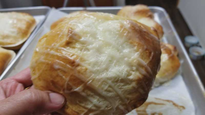 ขนมปังครีมชีส