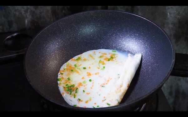 ไข่ขาวม้วน